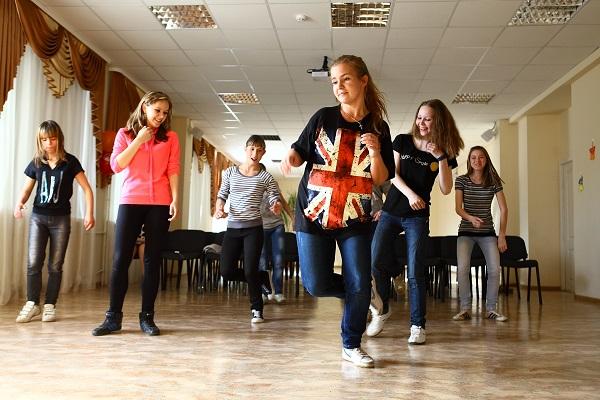 Обучение танцам в домашних условиях i